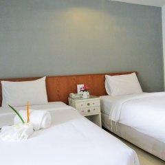 Отель JL Bangkok сейф в номере
