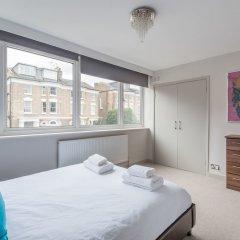Отель Bright Family Home in Primrose Hill Великобритания, Лондон - отзывы, цены и фото номеров - забронировать отель Bright Family Home in Primrose Hill онлайн комната для гостей фото 2