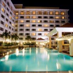 Отель Equatorial Ho Chi Minh City Вьетнам, Хошимин - отзывы, цены и фото номеров - забронировать отель Equatorial Ho Chi Minh City онлайн бассейн фото 2