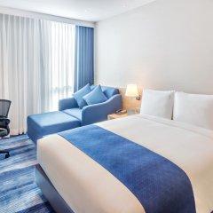 Отель Holiday Inn Express Bangkok Soi Soonvijai комната для гостей фото 2