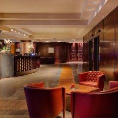 Отель NH Collection Genova Marina гостиничный бар