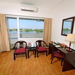 Отель Century Riverside Hotel Hue Вьетнам, Хюэ - отзывы, цены и фото номеров - забронировать отель Century Riverside Hotel Hue онлайн комната для гостей фото 4