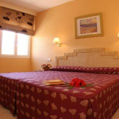 Отель Esmeralda Maris сейф в номере