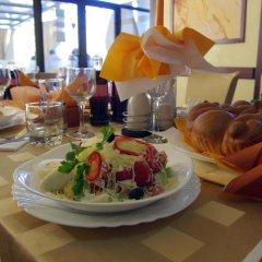 Отель Eos Hotel Болгария, Видин - отзывы, цены и фото номеров - забронировать отель Eos Hotel онлайн питание фото 2