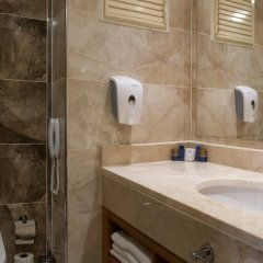 Отель Aquasis Deluxe Resort & Spa - All Inclusive ванная фото 2