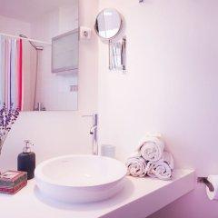 Отель Artist Studio - Alfama Old Town Португалия, Лиссабон - отзывы, цены и фото номеров - забронировать отель Artist Studio - Alfama Old Town онлайн ванная