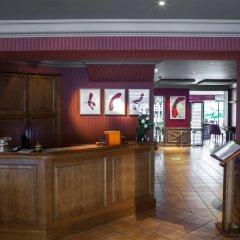 Отель Baud Hôtel Restaurant интерьер отеля