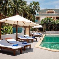 Отель Tanaosri Resort бассейн