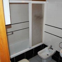 Отель Apartamento 2165 - Mar I Neu 2-6 Испания, Курорт Росес - отзывы, цены и фото номеров - забронировать отель Apartamento 2165 - Mar I Neu 2-6 онлайн ванная