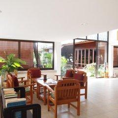 Отель Lipa Bay Resort интерьер отеля
