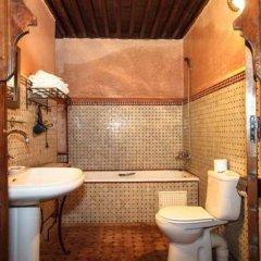 Отель Riad Razane Марокко, Фес - отзывы, цены и фото номеров - забронировать отель Riad Razane онлайн ванная фото 2