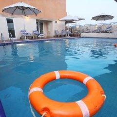 Отель Al Hamra Hotel ОАЭ, Шарджа - отзывы, цены и фото номеров - забронировать отель Al Hamra Hotel онлайн бассейн фото 2
