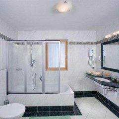 Отель Gerstl Италия, Горнолыжный курорт Ортлер - отзывы, цены и фото номеров - забронировать отель Gerstl онлайн ванная