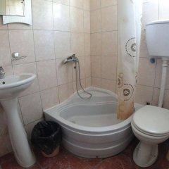 Отель Sun Hostel Budva Черногория, Будва - отзывы, цены и фото номеров - забронировать отель Sun Hostel Budva онлайн ванная