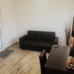 Отель Samuil Apartments Болгария, Бургас - отзывы, цены и фото номеров - забронировать отель Samuil Apartments онлайн комната для гостей