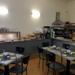 Hotel Cairoli Генуя питание