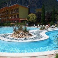Garda Sporting Club Hotel бассейн