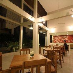 Отель CHERN Hostel Таиланд, Бангкок - 2 отзыва об отеле, цены и фото номеров - забронировать отель CHERN Hostel онлайн питание фото 2