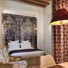 Отель Hôtel du Petit Moulin ванная фото 2