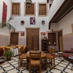 Отель Dar Ahl Tadla Марокко, Фес - отзывы, цены и фото номеров - забронировать отель Dar Ahl Tadla онлайн питание фото 3