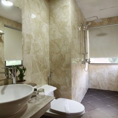Blue Pearl West Hotel ванная фото 2