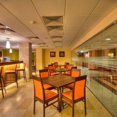 Отель Aquaworld Resort Budapest гостиничный бар