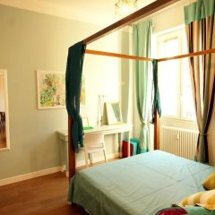 Апартаменты Colorful and Lively Vatican Apartment комната для гостей фото 3