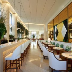 Отель Waldorf Astoria Beverly Hills гостиничный бар