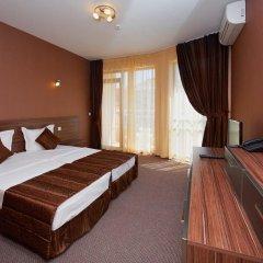 Отель Family Hotel Coral Болгария, Поморие - отзывы, цены и фото номеров - забронировать отель Family Hotel Coral онлайн комната для гостей фото 3