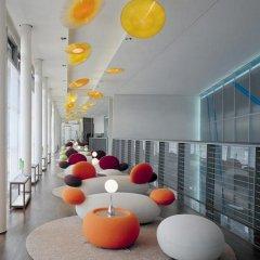 SIDE Design Hotel Hamburg интерьер отеля