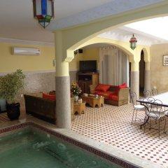 Отель Riad Atlas Toyours Марокко, Марракеш - отзывы, цены и фото номеров - забронировать отель Riad Atlas Toyours онлайн бассейн фото 3