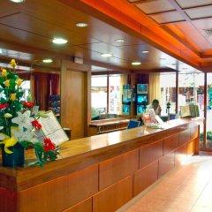 Отель H·TOP Royal Beach Испания, Льорет-де-Мар - 3 отзыва об отеле, цены и фото номеров - забронировать отель H·TOP Royal Beach онлайн интерьер отеля