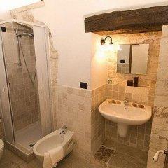 Отель Palazzo dErchia Италия, Конверсано - отзывы, цены и фото номеров - забронировать отель Palazzo dErchia онлайн ванная