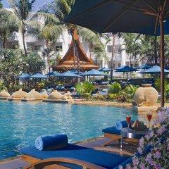 Отель Avani Pattaya Resort бассейн фото 5