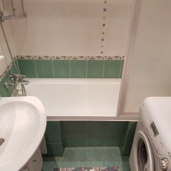 Гостиница DeLuxe Apartment Grina 34 в Москве отзывы, цены и фото номеров - забронировать гостиницу DeLuxe Apartment Grina 34 онлайн Москва ванная фото 2