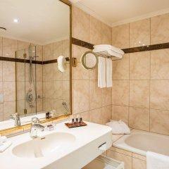 Отель Bülow Residenz Германия, Дрезден - отзывы, цены и фото номеров - забронировать отель Bülow Residenz онлайн ванная