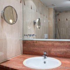 Отель NH Gent Sint Pieters Бельгия, Гент - 1 отзыв об отеле, цены и фото номеров - забронировать отель NH Gent Sint Pieters онлайн ванная
