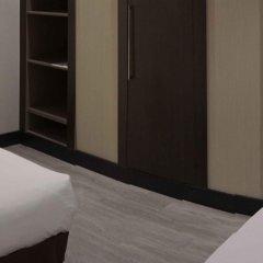 Отель Novotel Madrid Center сейф в номере