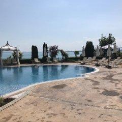 Отель Royal Bay Свети Влас бассейн