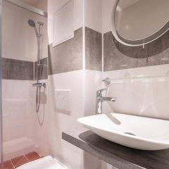 Отель Hôtel Jenner Франция, Париж - отзывы, цены и фото номеров - забронировать отель Hôtel Jenner онлайн ванная