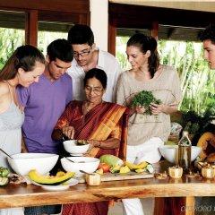 Отель Shanti Maurice Resort & Spa питание фото 3