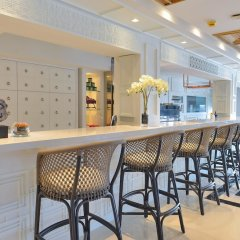 Отель Riva Arun Bangkok гостиничный бар