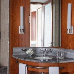 Jumeirah Emirates Towers in Dubai, United Arab Emirates from 244$, photos, reviews - zenhotels.com bathroom photo 2