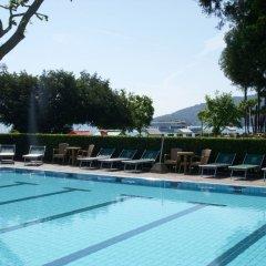 Отель Grand Dino Бавено бассейн