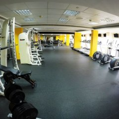 Отель Crowne Plaza Abu Dhabi фитнесс-зал фото 3