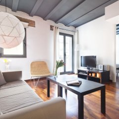 Апартаменты Inside Barcelona Apartments Esparteria комната для гостей фото 2