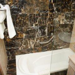 Отель Grand Hotel Madaba Иордания, Мадаба - 1 отзыв об отеле, цены и фото номеров - забронировать отель Grand Hotel Madaba онлайн ванная фото 2