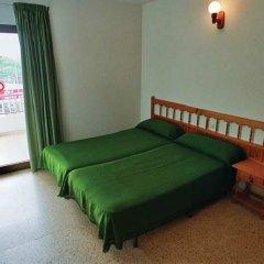 Отель Apartamentos Turísticos Es Daus комната для гостей фото 2