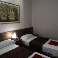Отель Hostal Mont Thabor Испания, Барселона - отзывы, цены и фото номеров - забронировать отель Hostal Mont Thabor онлайн комната для гостей фото 5