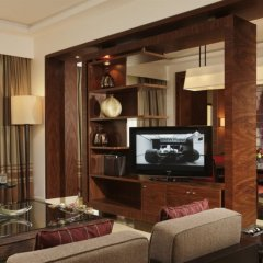 Отель Amwaj Rotana, Jumeirah Beach - Dubai интерьер отеля фото 3